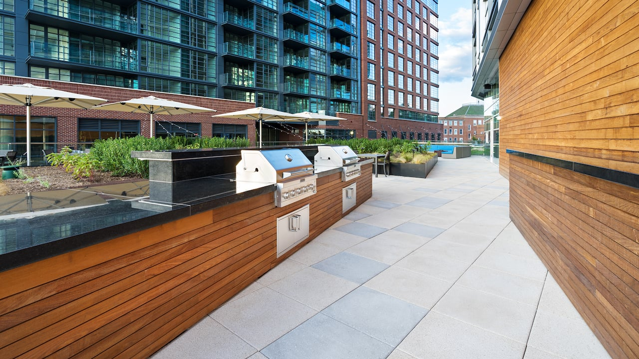Hyatt House Washington DC, patio and grill