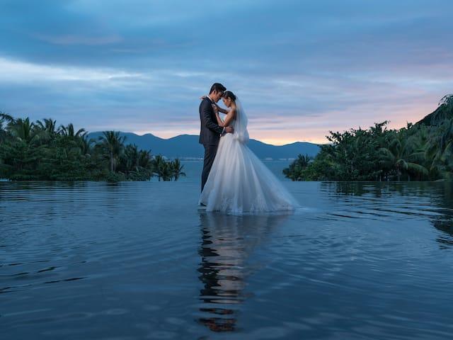 Romantic Moments Wedding