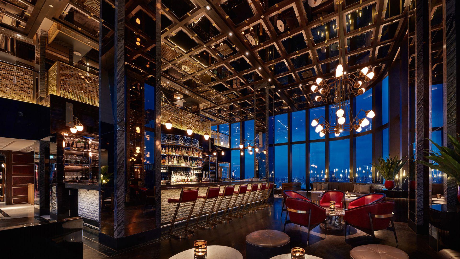 Penthouse Bar + Grill Cocktail Bar