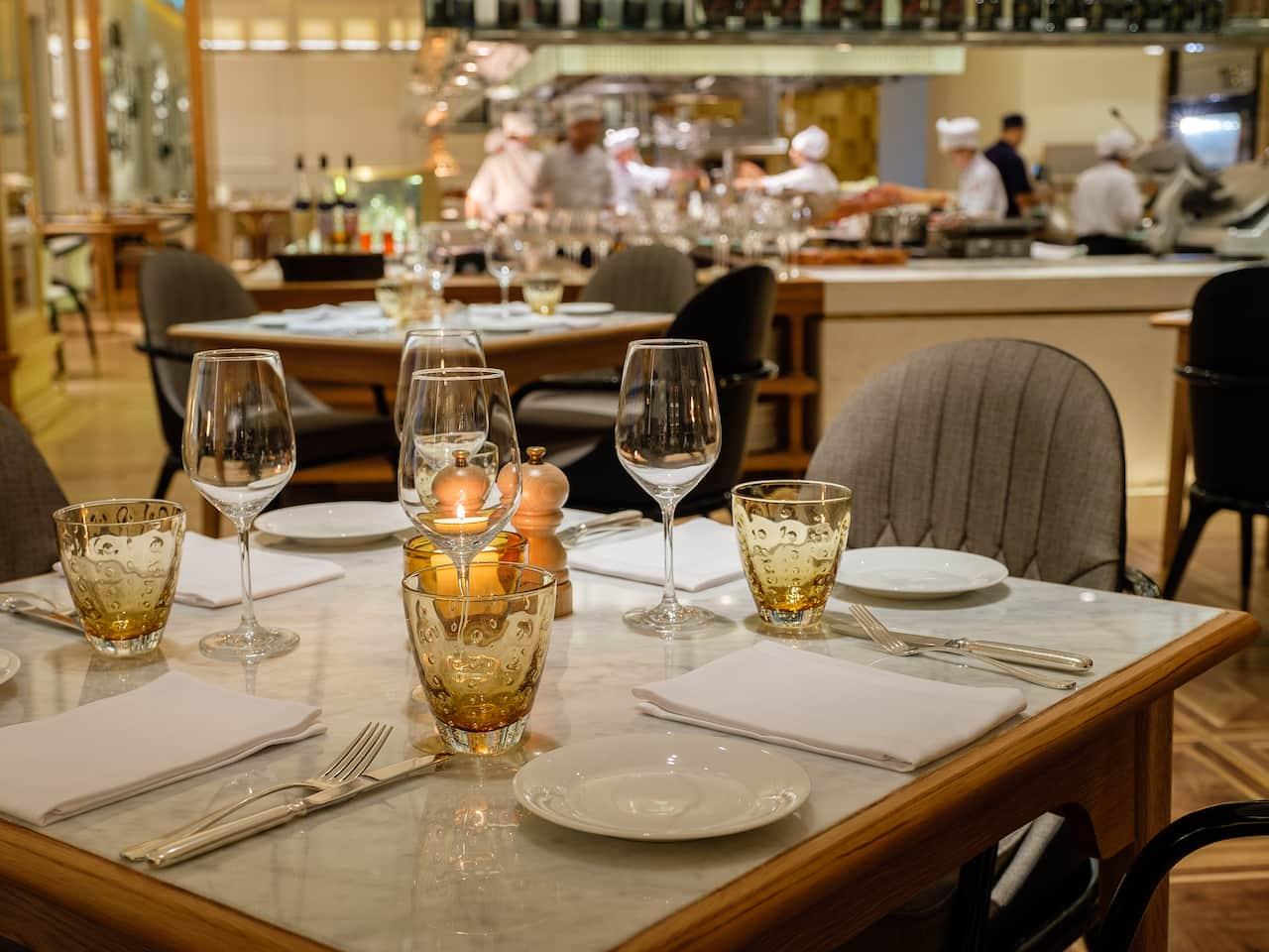 Opera Main Dining Table