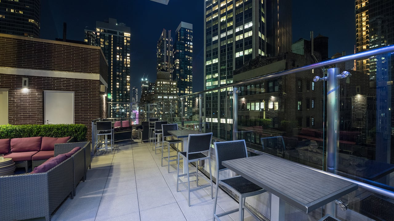 Hyatt Herald Square New York, Rooftop bar