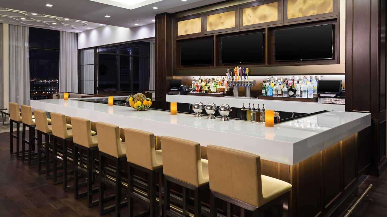 Hyatt House Jersey City Terrace Bar