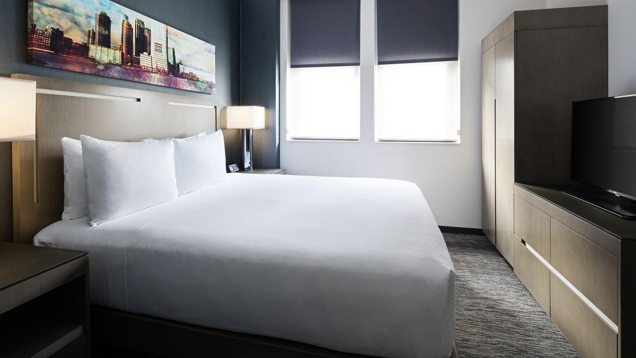 King Bed Den