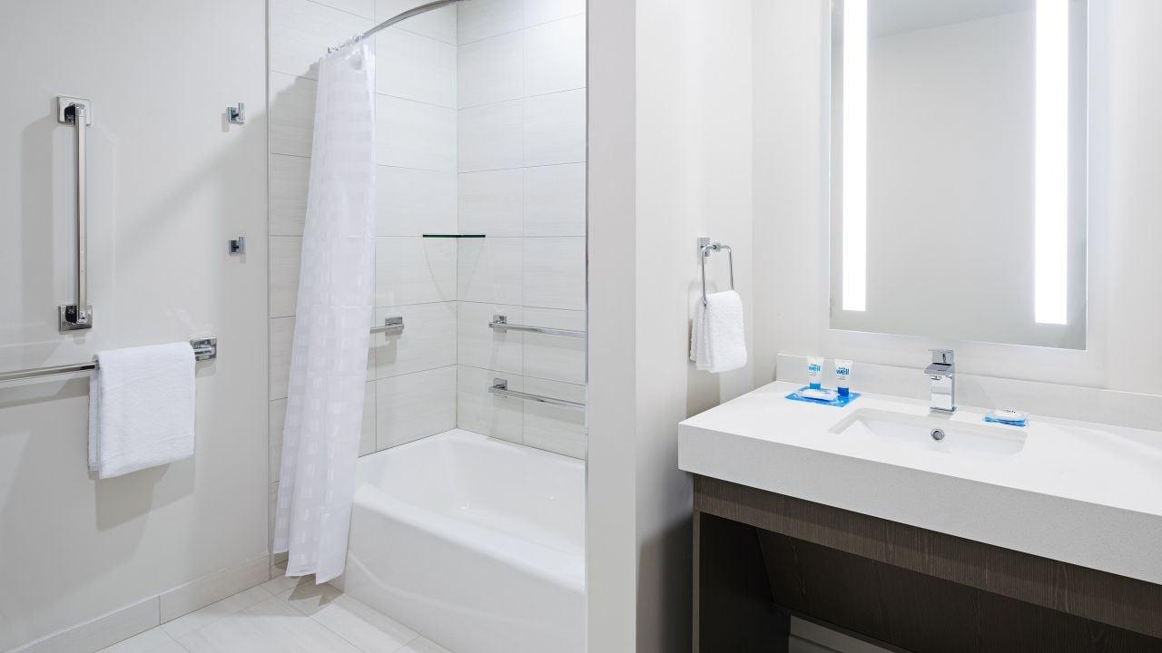 Hyatt House Jersey City Suite