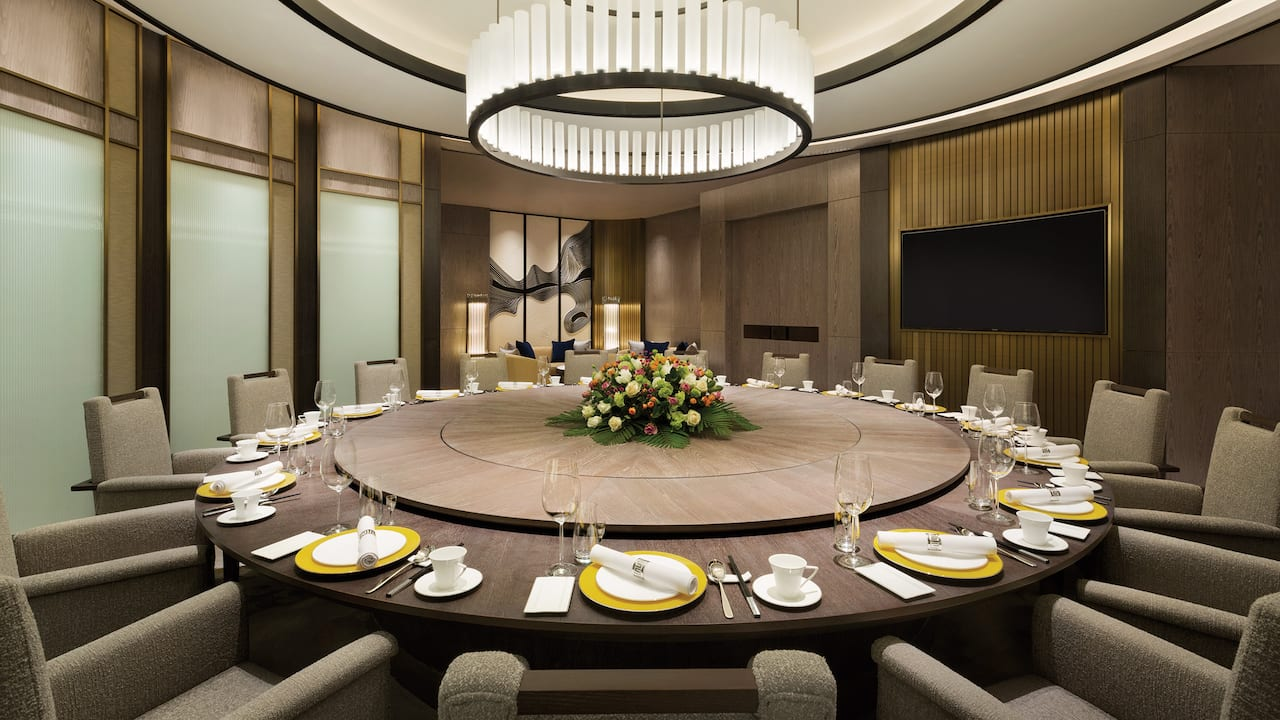 Dining Meeting