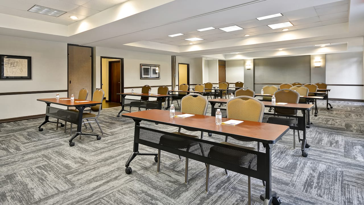 Meeting area at Hyatt Place Miami Airport West/Doral