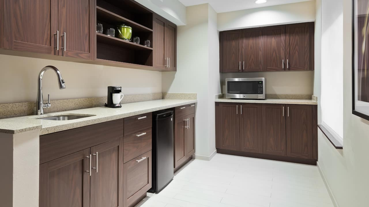 King Suite Kitchen