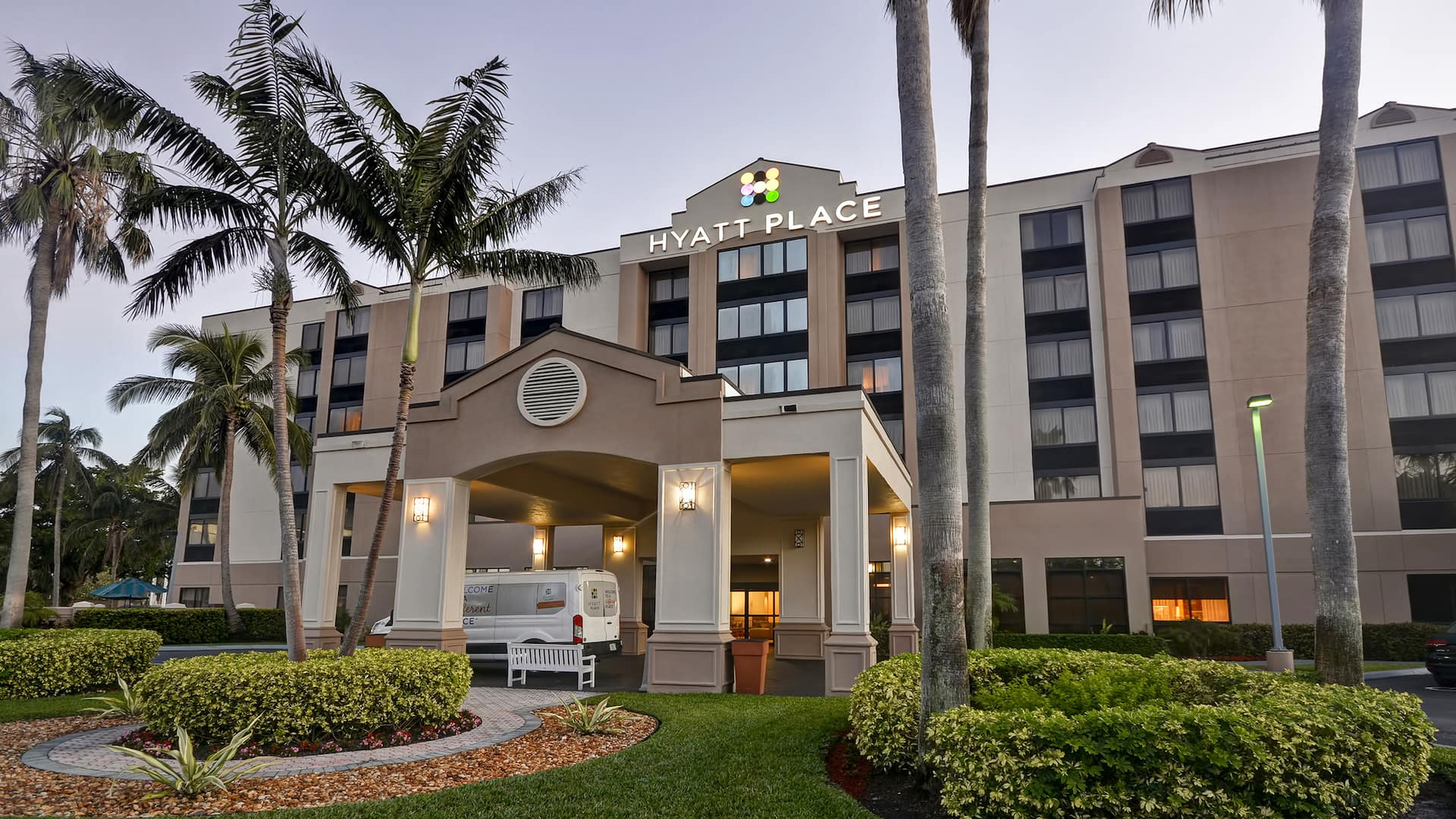 Hyatt Place Miami Airport-West / Doral Exterior at dusk