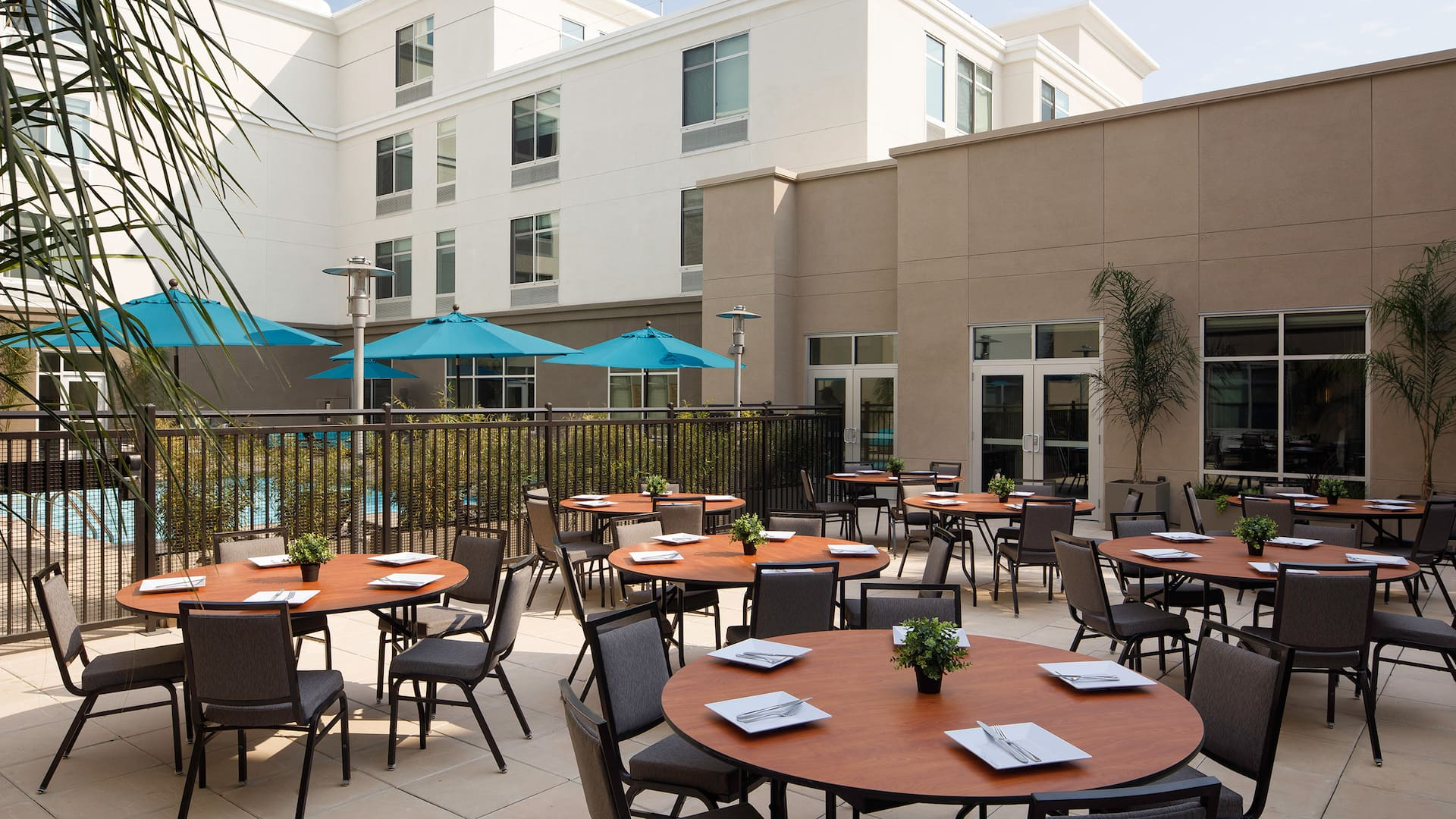 Hyatt Place Santa Cruz Patio Rounds