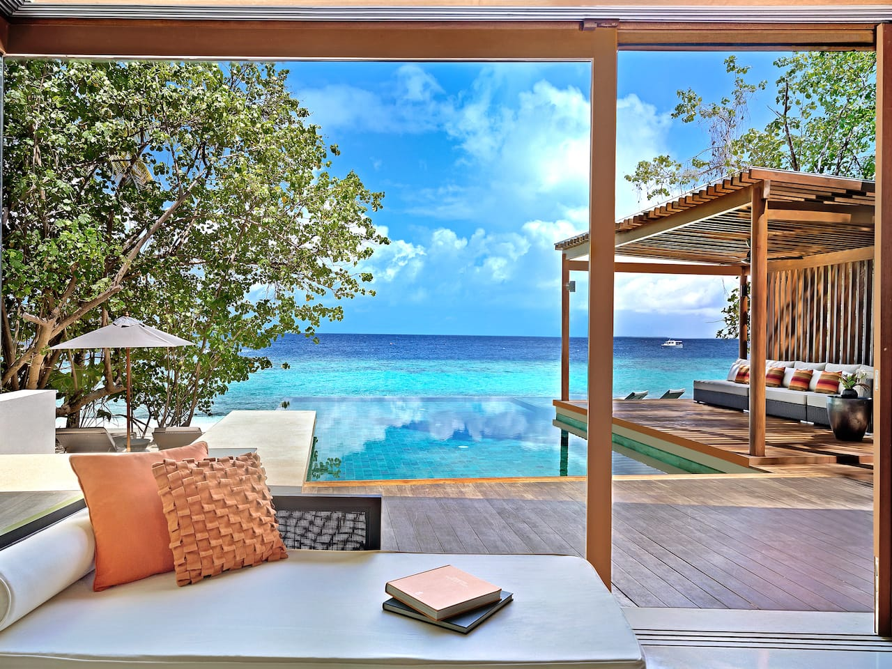 5-star Maldives Resort Overwater Villa