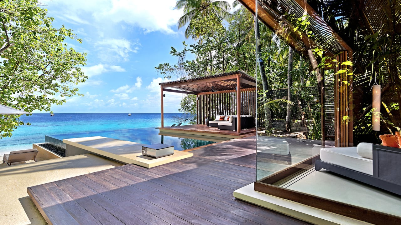 5-star Maldives Resort Water Villa