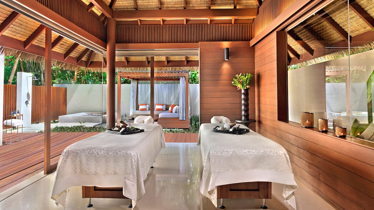 Private treatment villa with garden