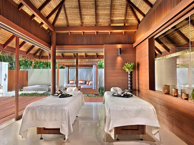 5-star Maldives Resort Spa