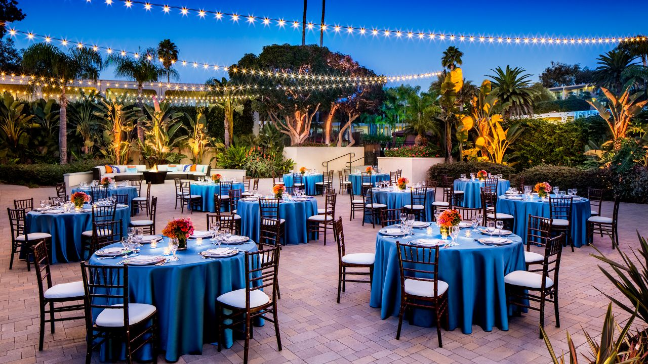 Hyatt Regency Newport Beach Courtyard Wedding