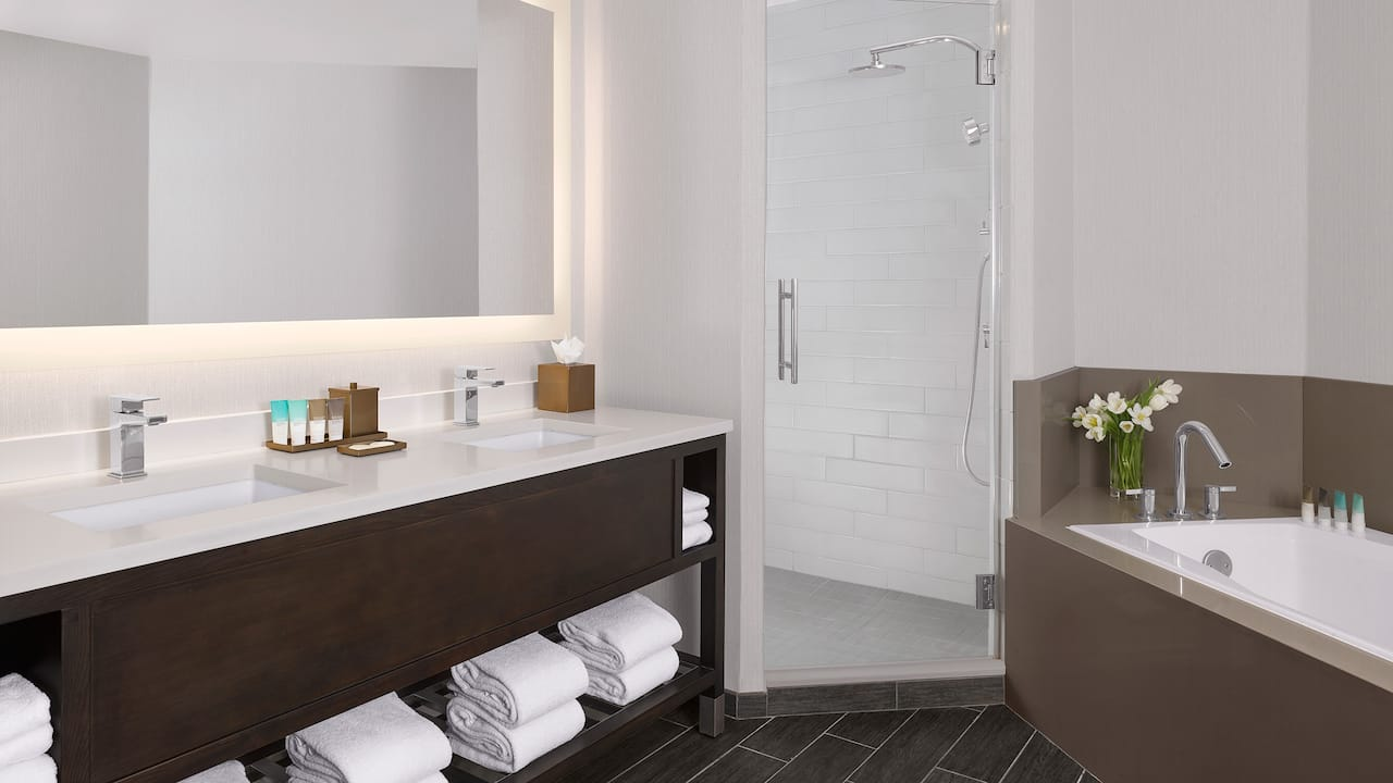 hyatt regency sonome wine country Guest Bathroom Executive King Suite