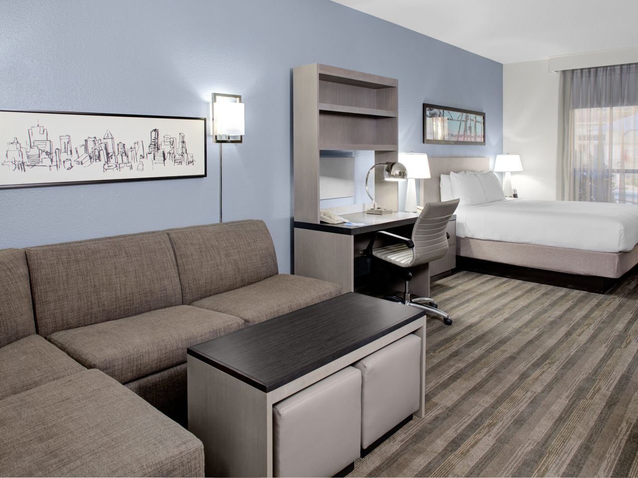 Hyatt House Dallas / Lincoln Park Studio King