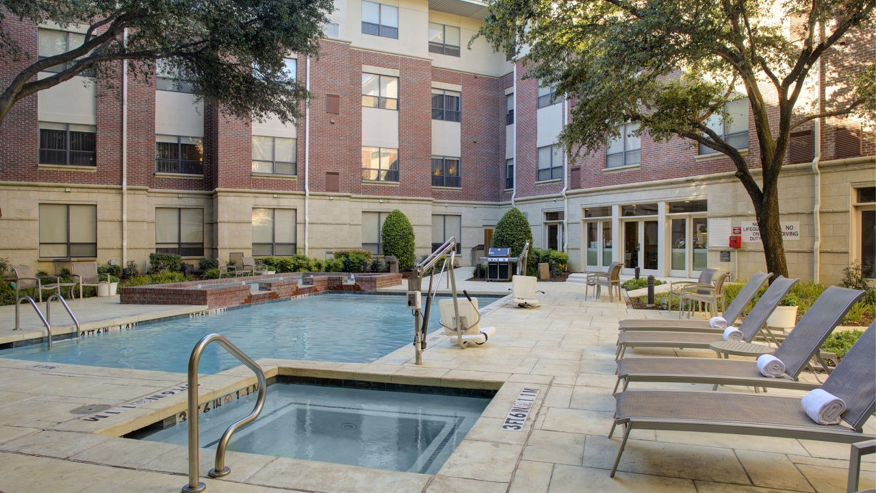 Hyatt House Dallas / Lincoln Park Outdoor Pool