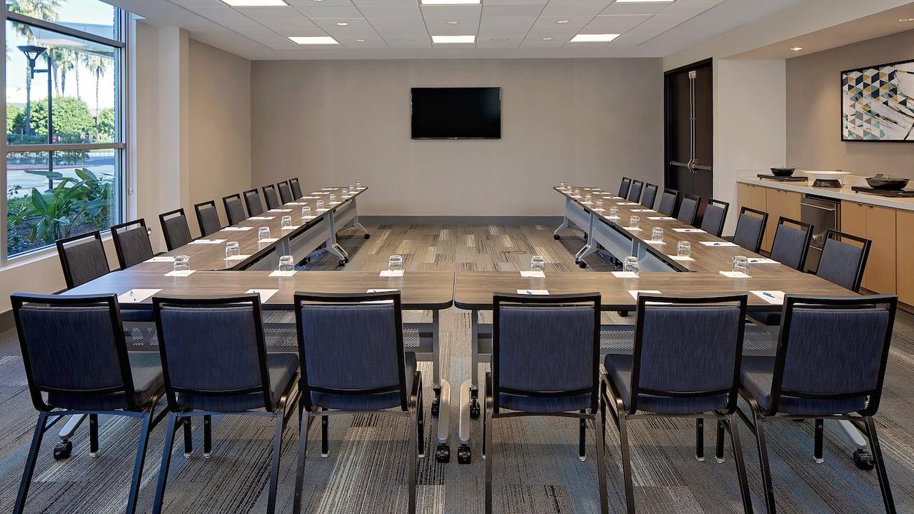 Hyatt House Nashville/Downtown-SoBro-meeting_room