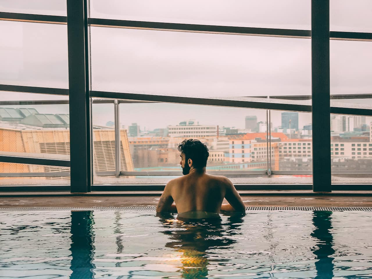 Club Olympus Spa und Fitness Pool im Grand Hyatt Berlin