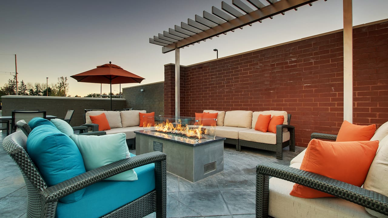 Hyatt House Chicago Oak Brook Patio