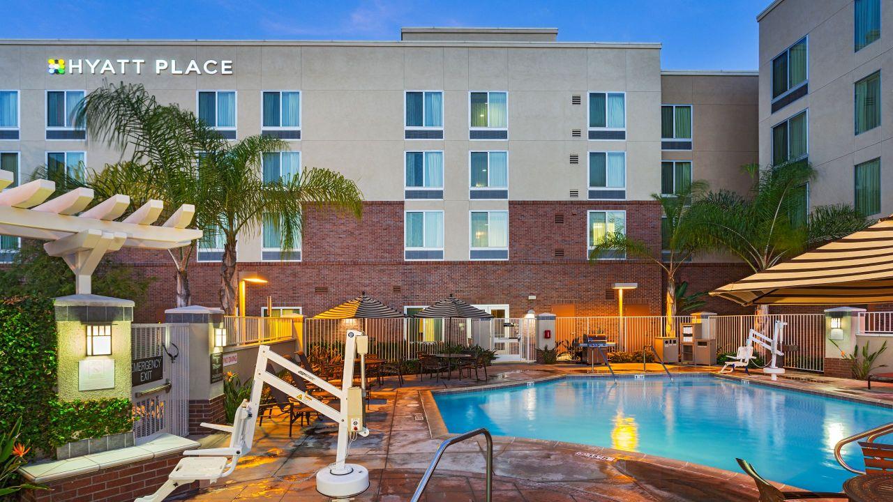 modern hotel near carlsbad vista california hyatt. Black Bedroom Furniture Sets. Home Design Ideas