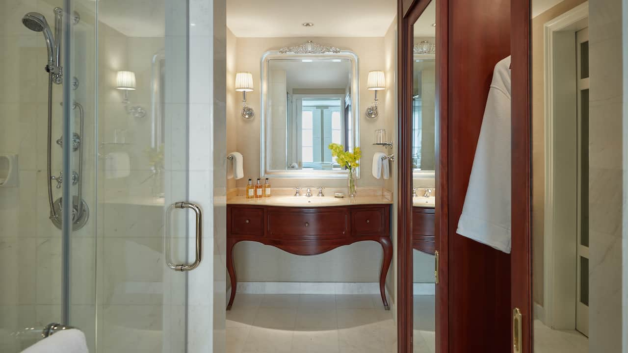 Park Hyatt Saigon Twin Bed and King Bathrooms (Marble Bathroom with Rain Shower)
