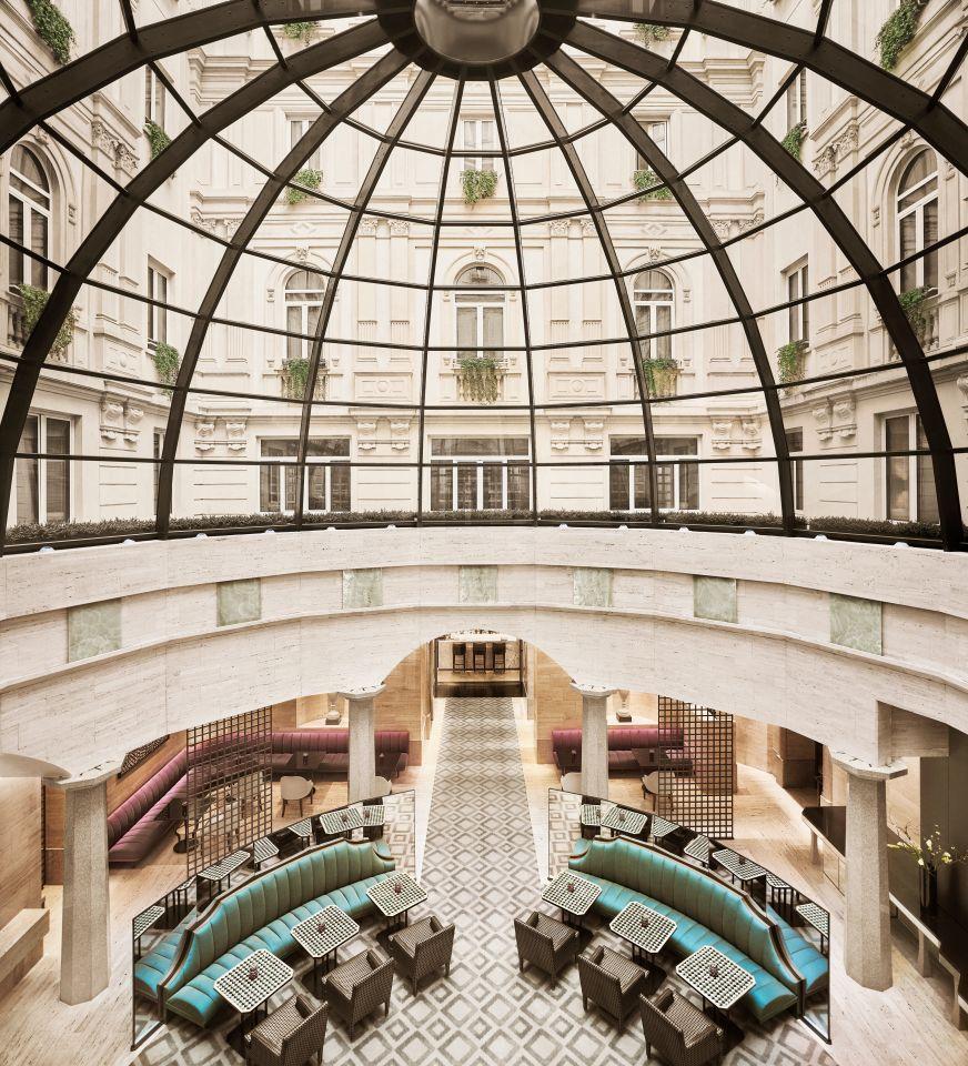 Cuppola Lobby Lounge
