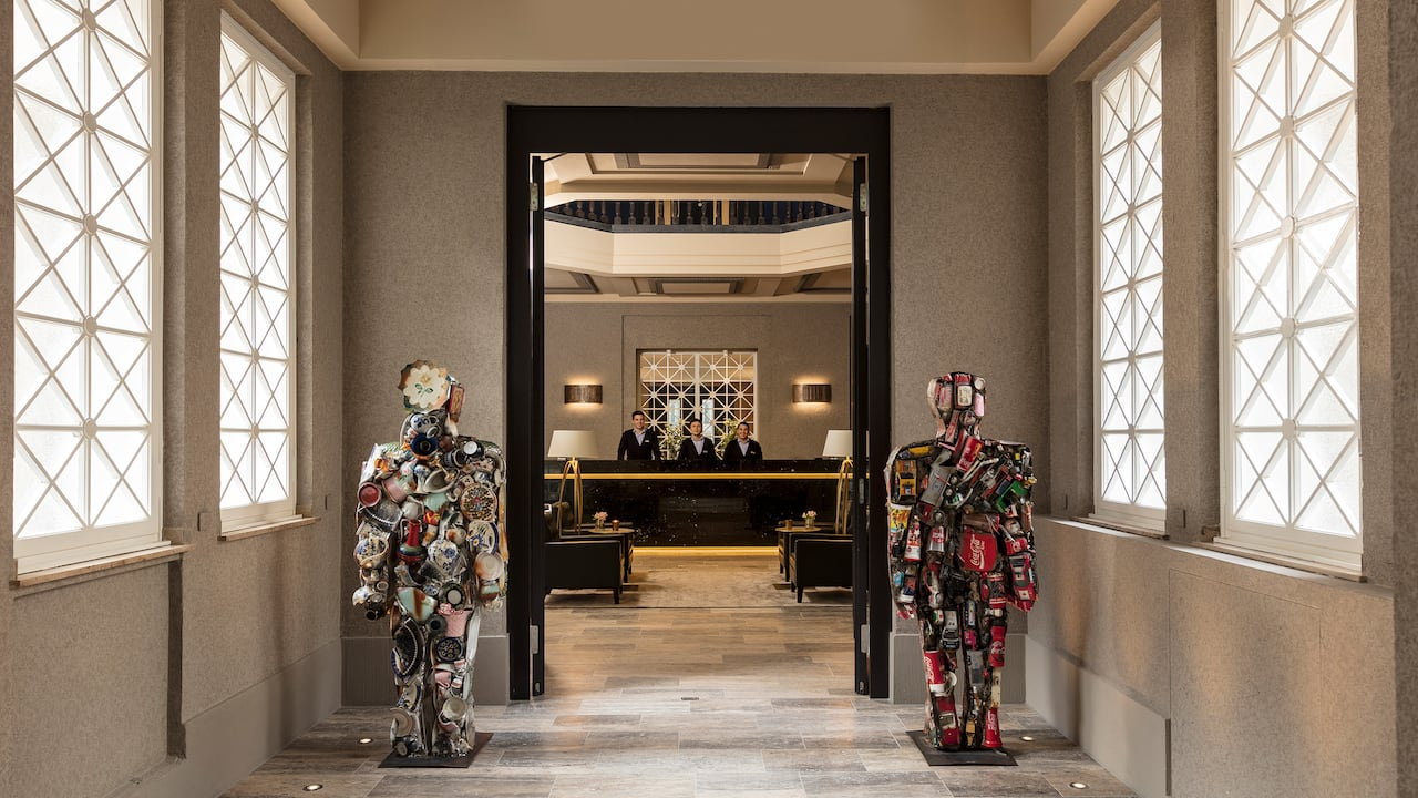 Dusseldorf lobby entrance