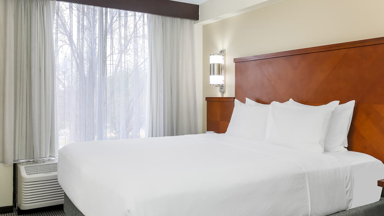 Hyatt Place Dallas/Grapevine – King Bed