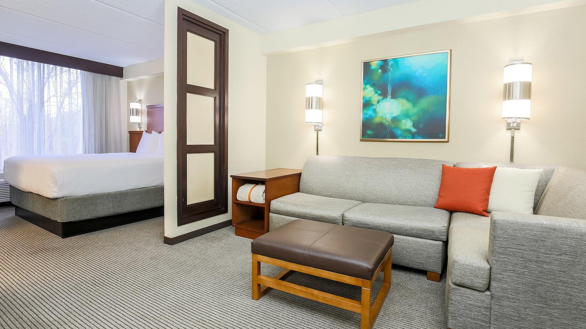 Hyatt Place Suite