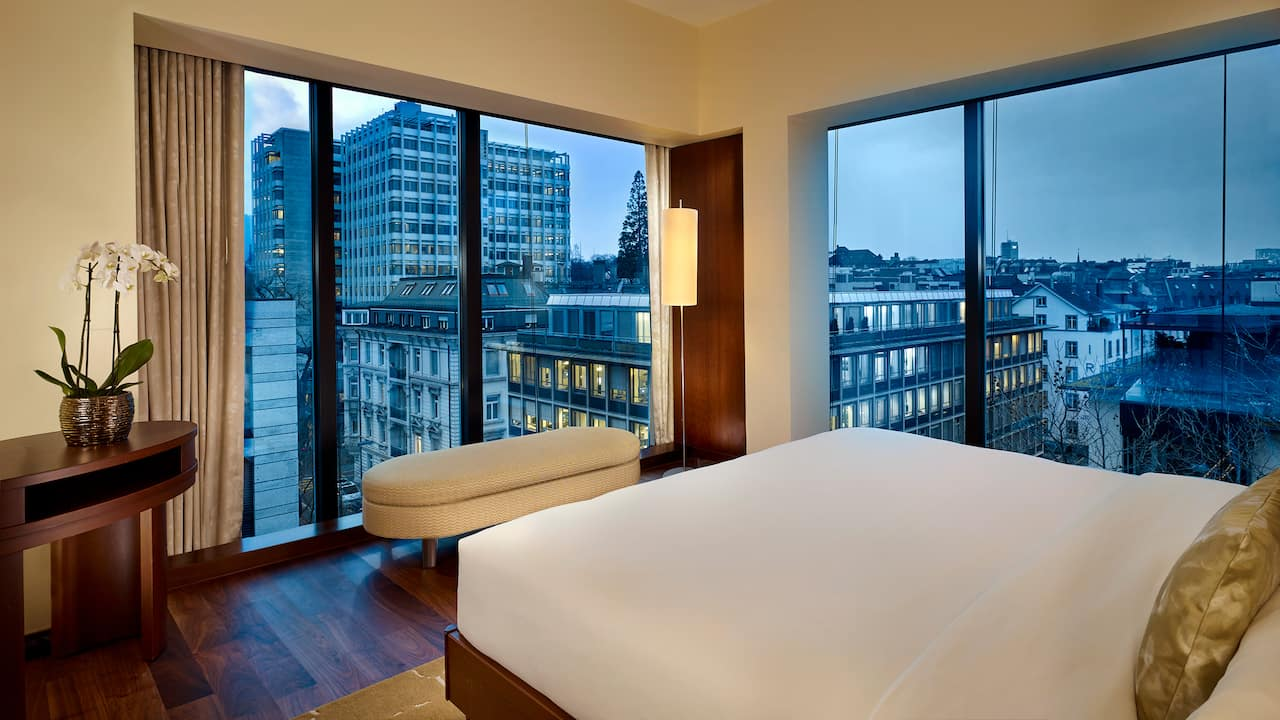 Park Corner Suite Bed