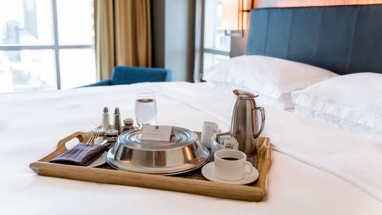 Hyatt Regency Calgary – Room Service