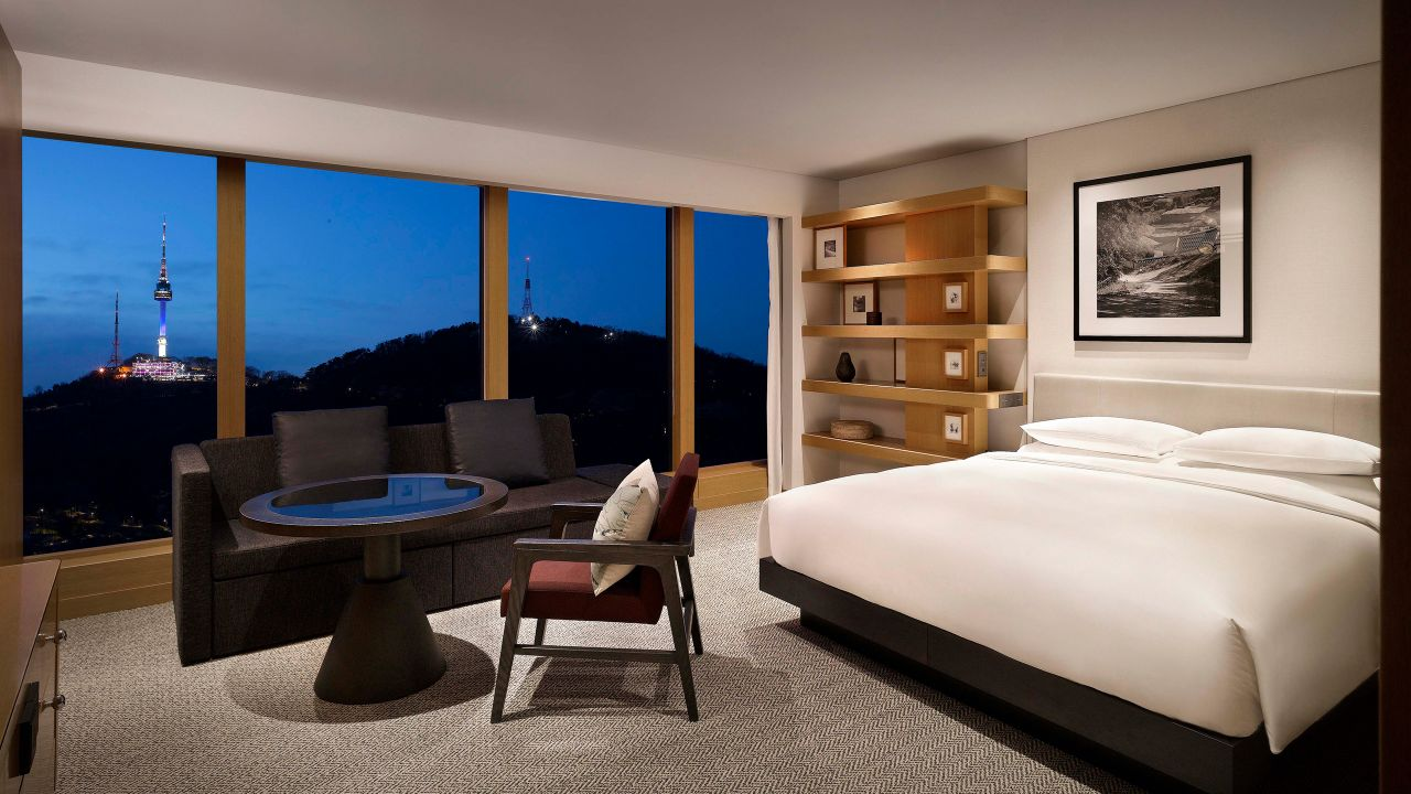 Grand Hyatt Seoul – 1 King Bed Corner Room with Views of Mt. Namsan