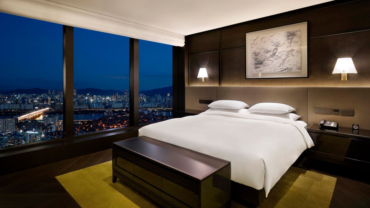 Grand Hyatt Seoul – Grand Executive Suite - Premium Suite with Spectacular Views of the Seoul Skyline