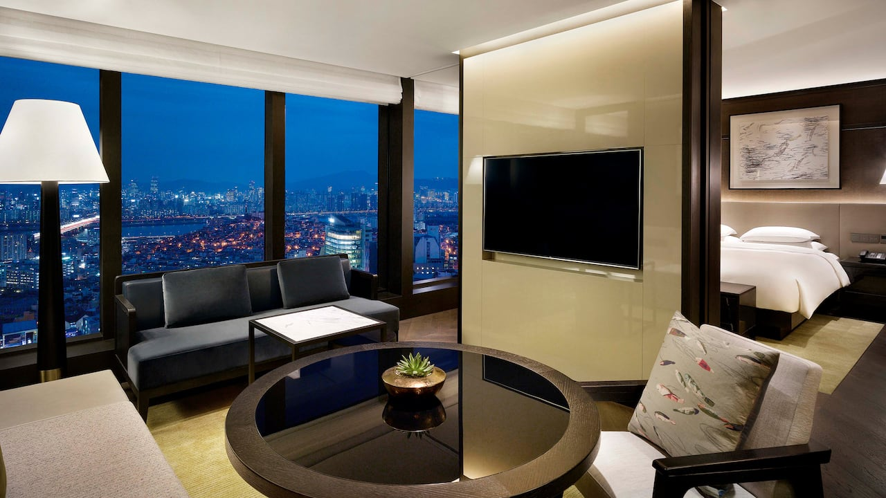 Grand Executive Suite