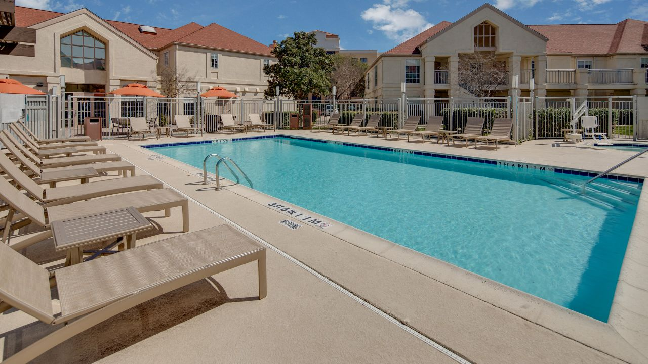 Hyatt House Dallas / Addison pool