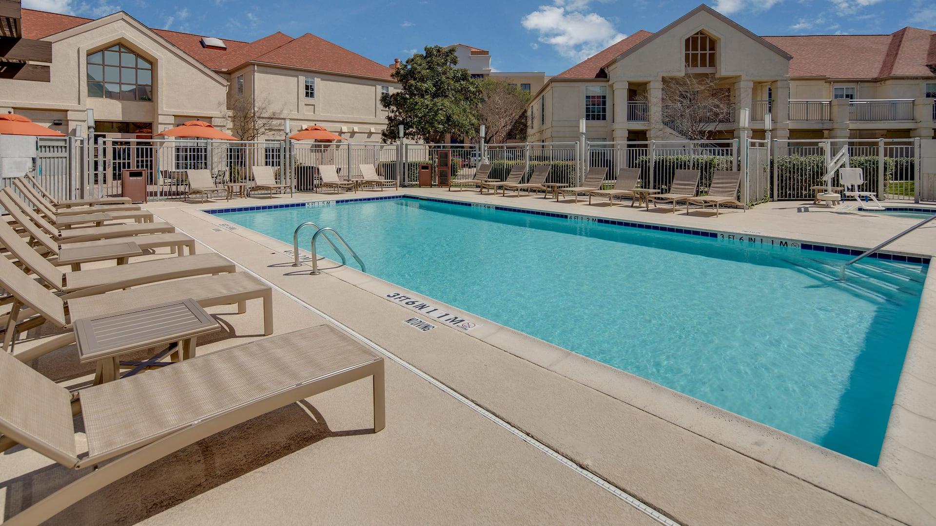 Hyatt House Dallas / Addison pool