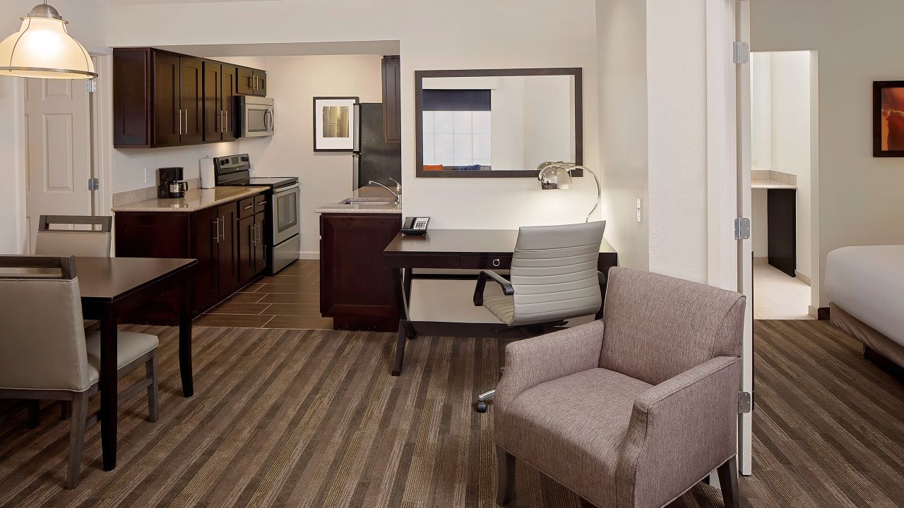 Hyatt House Dallas / Addison two bedroom suite and kitchen