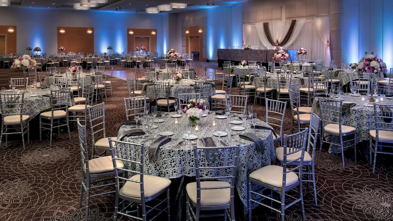 Weddings at Hyatt Regency Pittsburgh International Airport