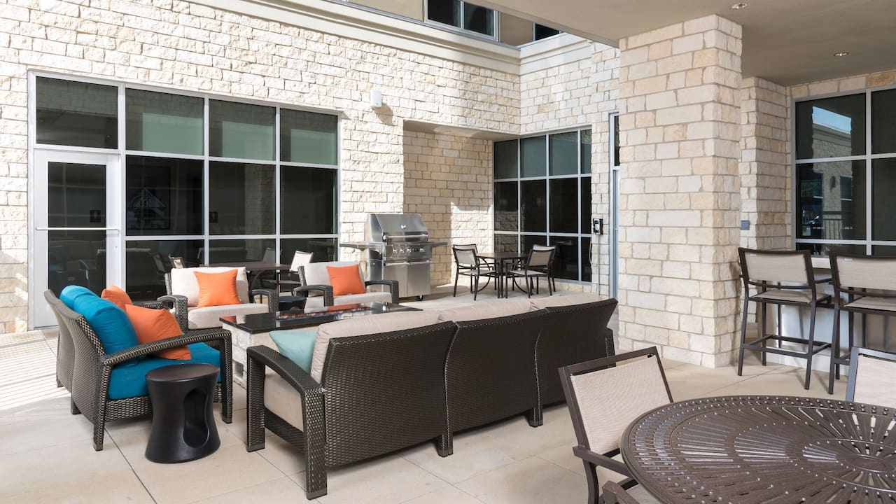 Hyatt House Austin Downtown Firepit