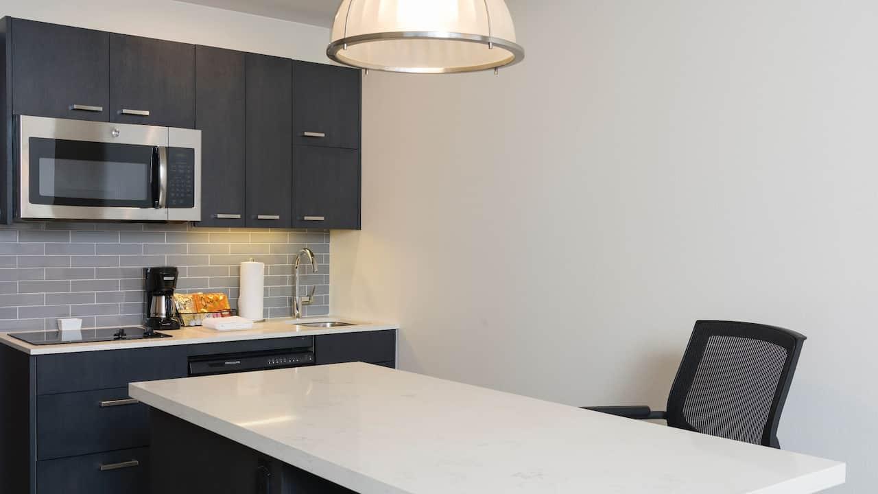 HYATT HOUSE AUSTIN/DOWNTOWN | Kitchen