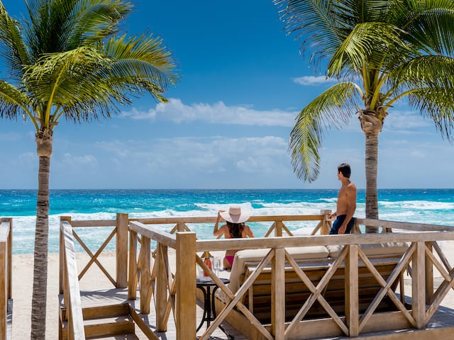 Beach Cabana Couple