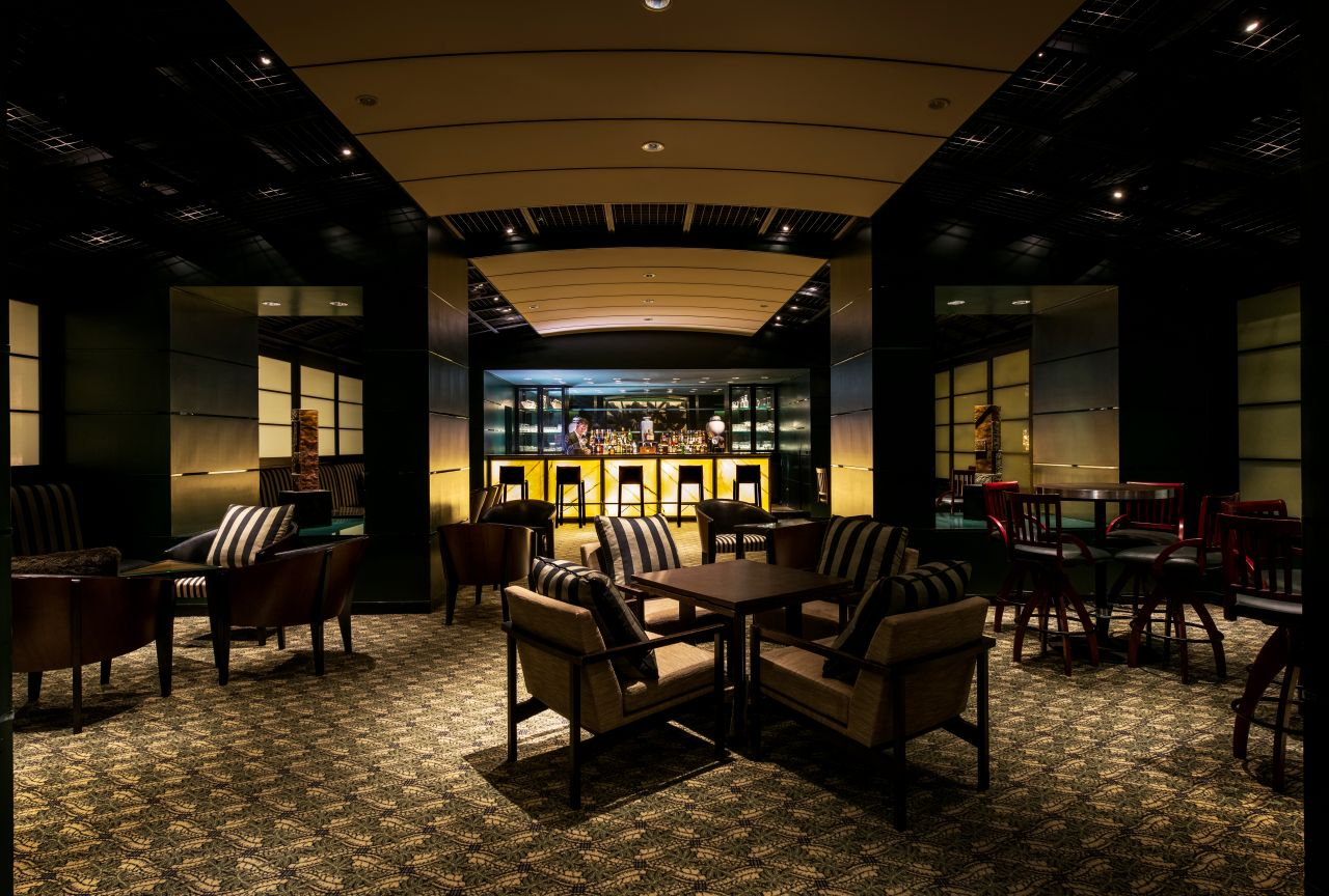 "Hyatt Regency Osaka - Sports Bar ""Manhattan Bar"""