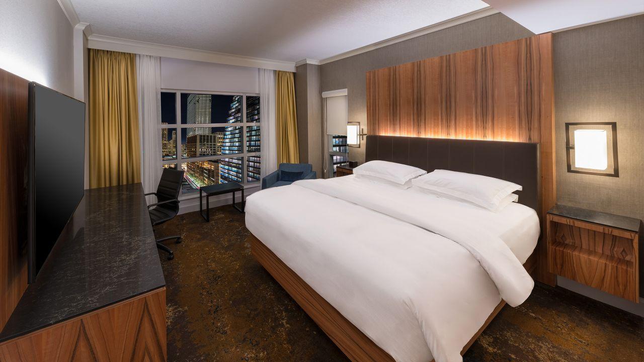 Hyatt Regency Calgary One King Bed Corner Room