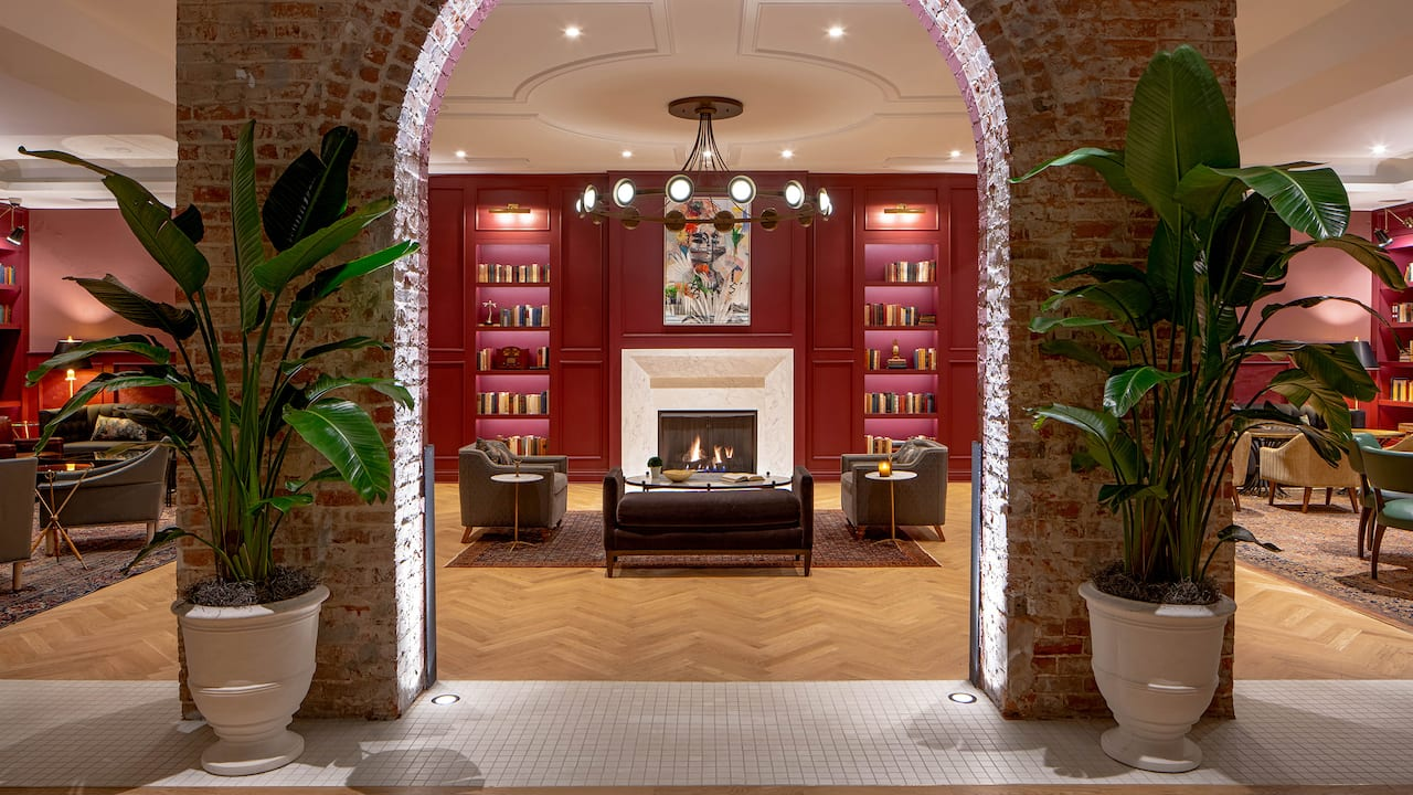 Lobby Library Lounge