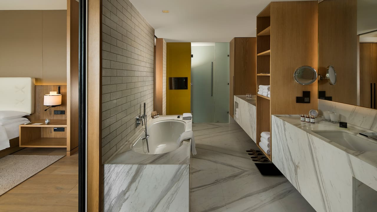Andaz Delhi Bathroom - Luxury Stay in Delhi