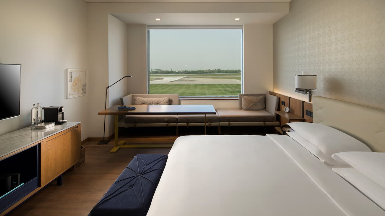 Andaz Delhi King - Runway facing luxury rooms in Delhi