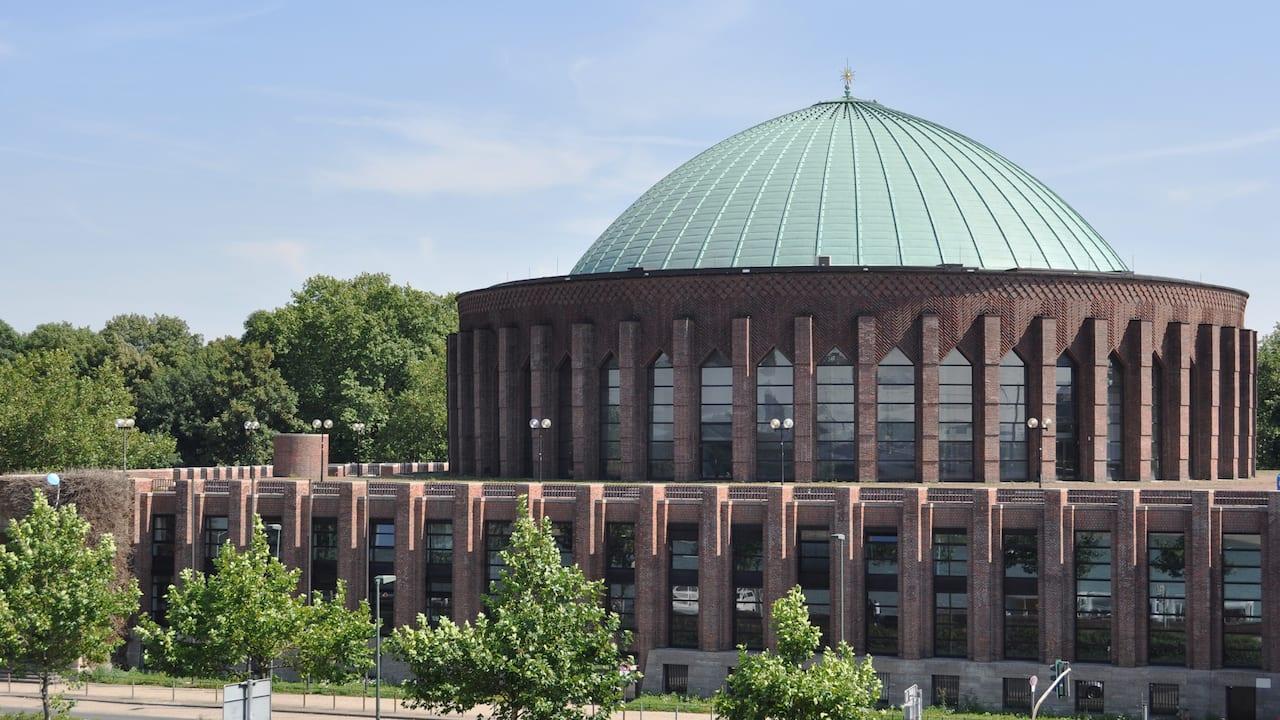Tonhalle Dusseldorf near THE WELLEM