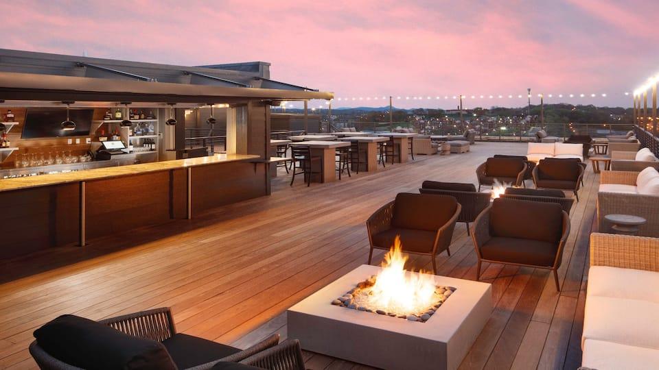 TYSZD_P042 Rooftop Bar Dusk