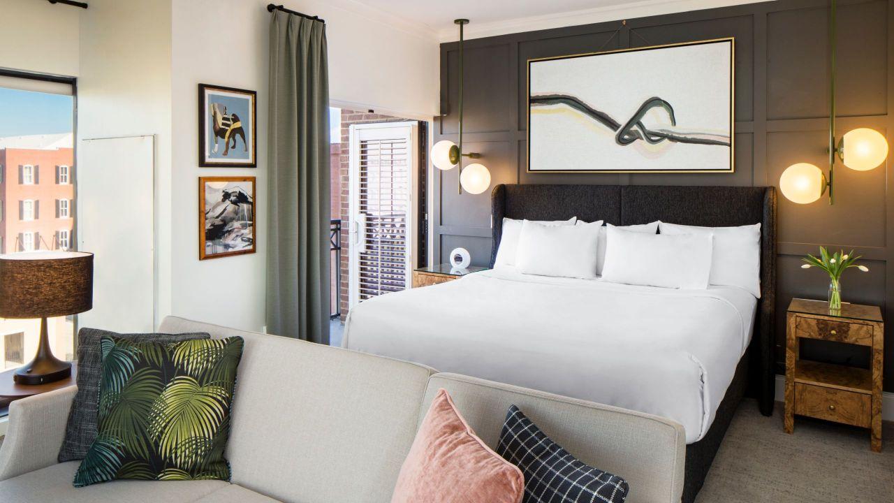 Ellis Square Bed